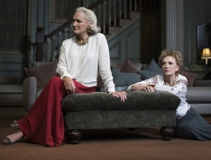 glenn-close-and-lindsay-duncan-play-sisters