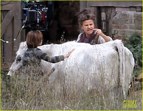 "Exclusive... Tracey Ullman Films ""Into The Woods"""