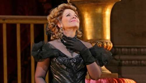 Renee-Fleming-in-The-Merry-Widow