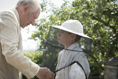 mr-holmes-2015-003-holmes-with-beekeeping-boy