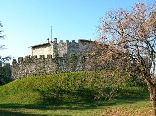 castello-di-tricano