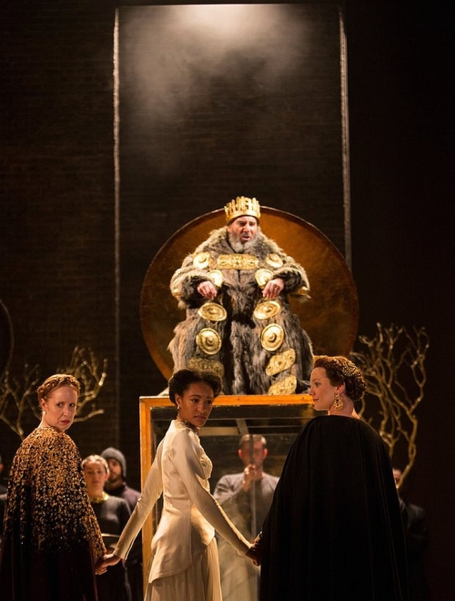 antony-sher-as-king-lear-nia-gwynne-as-goneril-natalie-simpson-as-cordelia-and-kelly-williams-as-regan