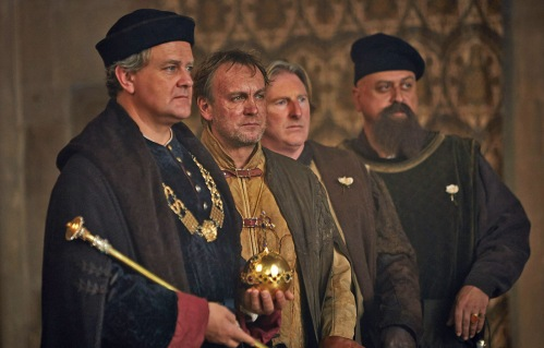 WARNING: Embargoed for publication until 00:00:01 on 01/05/2016 - Programme Name: The Hollow Crown: The Wars Of The Roses - TX: n/a - Episode: The Hollow Crown: The Wars Of The Roses (No. Henry VI Part 1) - Picture Shows: *STRICTLY NOT FOR PUBLICATION UNTIL 00:01HRS, SUNDAY 1ST MAY, 2016* Gloucester (HUGH BONNEVILLE), Talbot (PHILIP GLENISTER), Plantagenet (ADRIAN DUNBAR), Warwick (STANLEY TOWNSEND) - (C) Carnival Film & Television Ltd - Photographer: Robert Viglasky